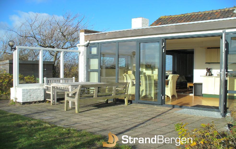 Ferienhaus Bellevue in Bergen aan Zee mit etwas Meerblick, viel Atmosphäre
