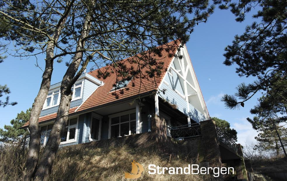 Finnhouse Bergen aan Zee, Holz-Villa in bester Lage